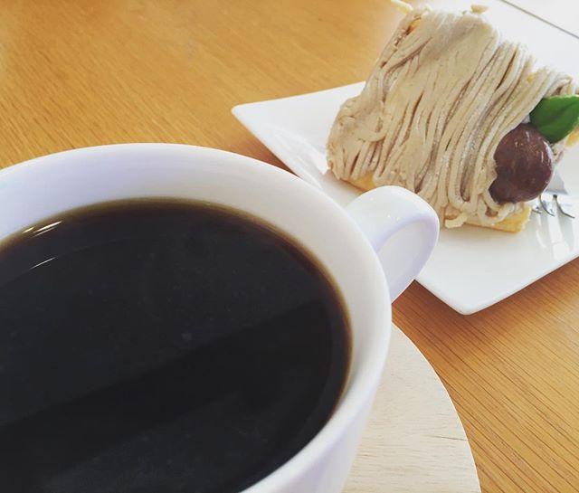 味真野といえば、シフォンケーキのカフェ。季節柄モンブラン。久しぶり楽しい昼休みやったな。