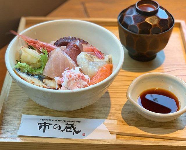 ランチは海鮮丼@近江町市場