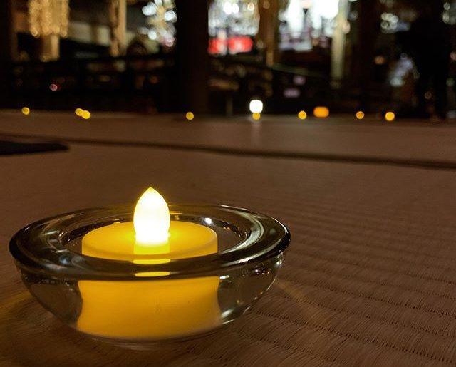 「マインドフルネス・ヨーガ with シンギングボウル」近くのお寺にて。いつものヨガとは雰囲気も違って、身体を鍛えるというより、心を静める感じ。ゆらゆらゆうこさんの演奏の中、眠くなりつつ終えて帰宅。