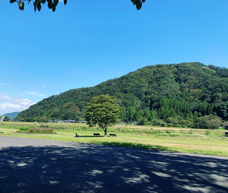 お昼休みのお散歩再開。秋を感じる風が気持ちいい〜